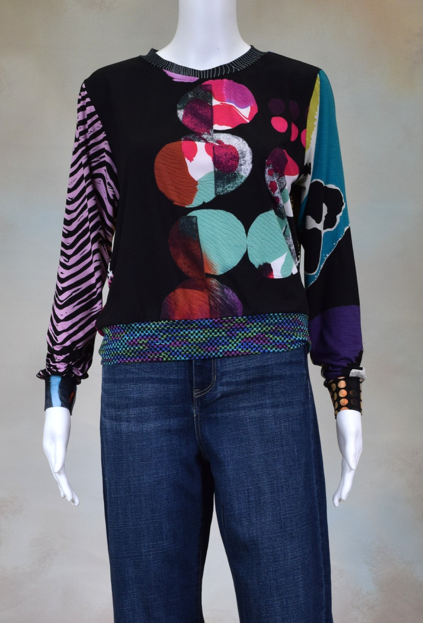One of a Kind Fun Banded Jersey Pullover Small 204