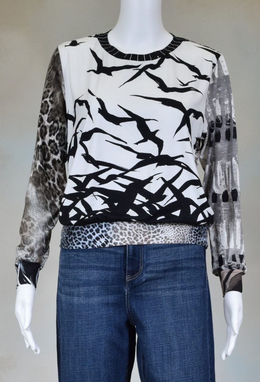 One of a Kind Fun Banded Jersey Pullover Small 206