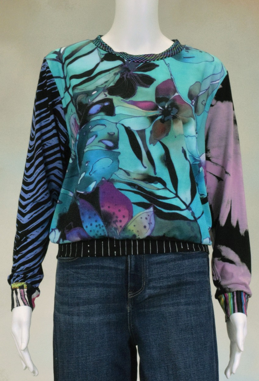 One of a Kind Fun Banded Jersey Pullover Medium 405