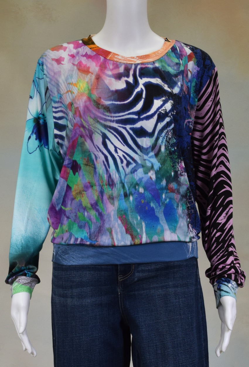 One of  a Kind Fun Banded Jersey Pullover Large 704