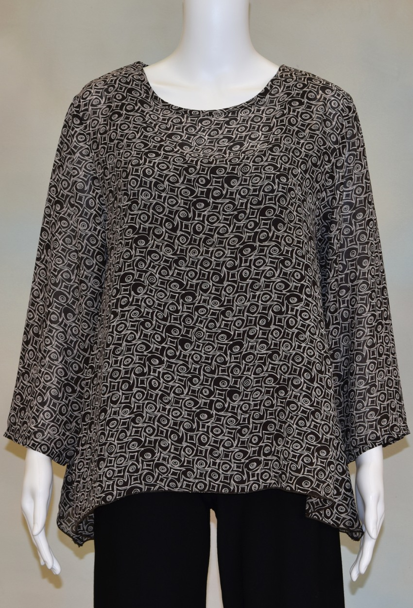 Graphic Swirl Side Point Tunic