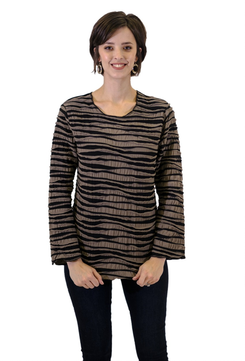 Fiore Long Sleeve Shirt Tail Pullover